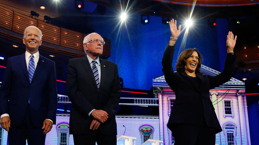 Joe Biden, Bernie Sanders y Kamala Harris/AP