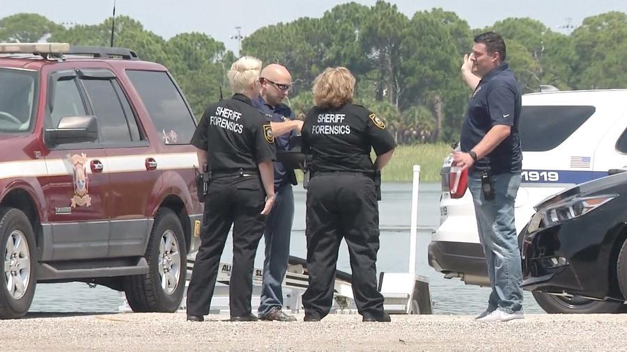 Investigan cuerpo que apareció rodeado de caimanes en, St. Petersburg, Florida