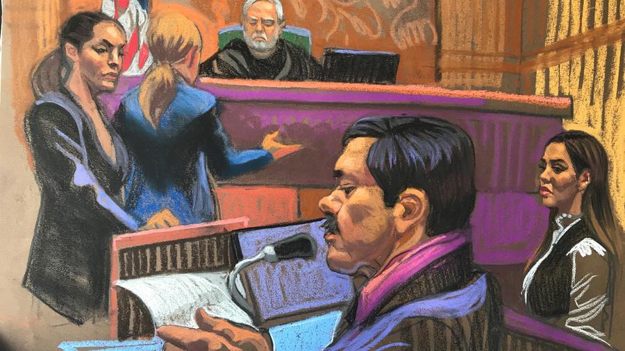 Skecth de El Chapo hoy en la corte de NYC. Detrás su esposa Emma Coronel