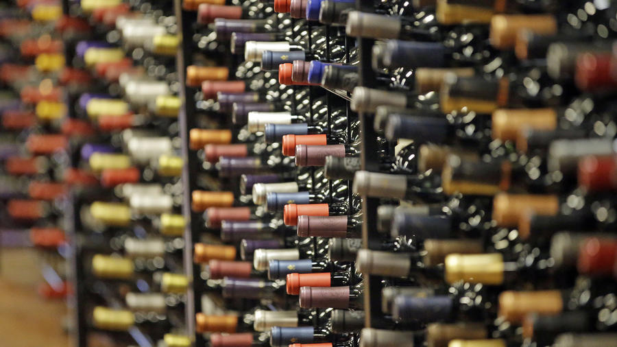 Imagen de archivo de botellas de alcohol en 2016.