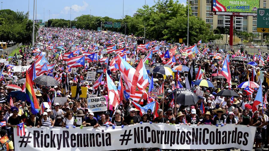 Imagen de la protesta en contra del gobernador de Puerto Rico, Ricardo Rosselló, en la autopista Las Américas este 22 de julio.
