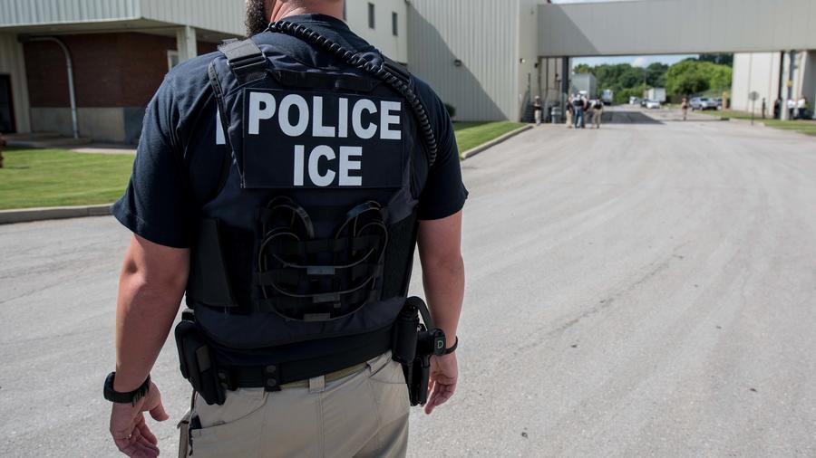 Policía de ICE