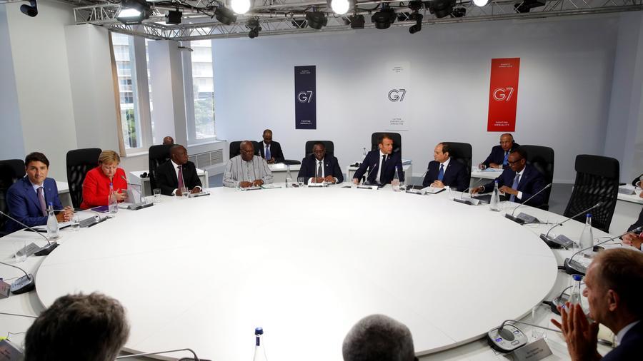 Sesión de trabajo de varios líderes mundiales en el marco de la cumbre del G7 en Biarritz (Francia).