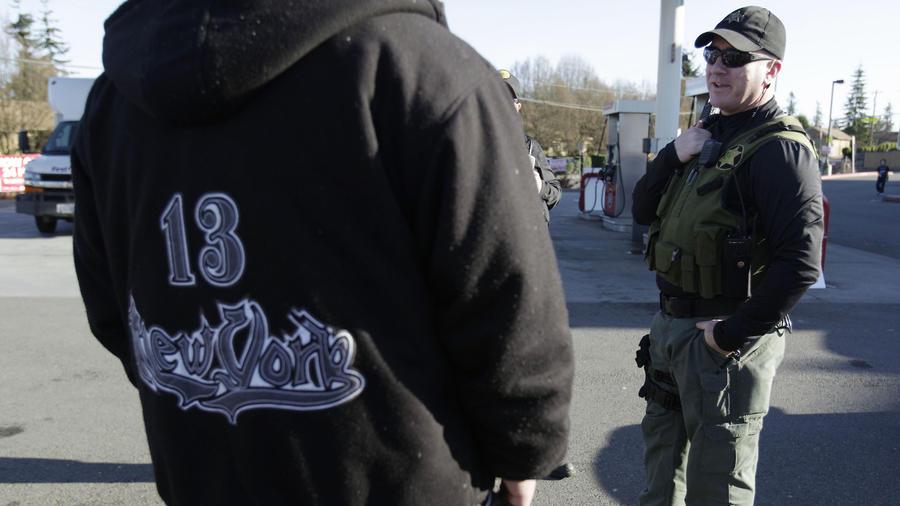 Imagen de archivo de una patrulla contra las pandillas criminales en Washington.