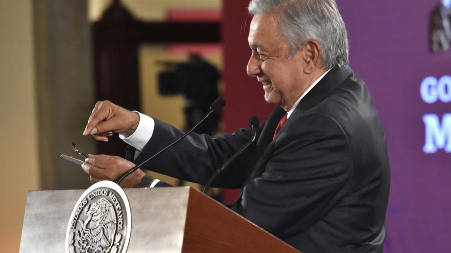 Imagen del presidente mexicano, Andrés Manuel López Obrador, hablando del hallazgo de una cámara espía en el Palacio Nacional el 3 de septiembre de 2019.