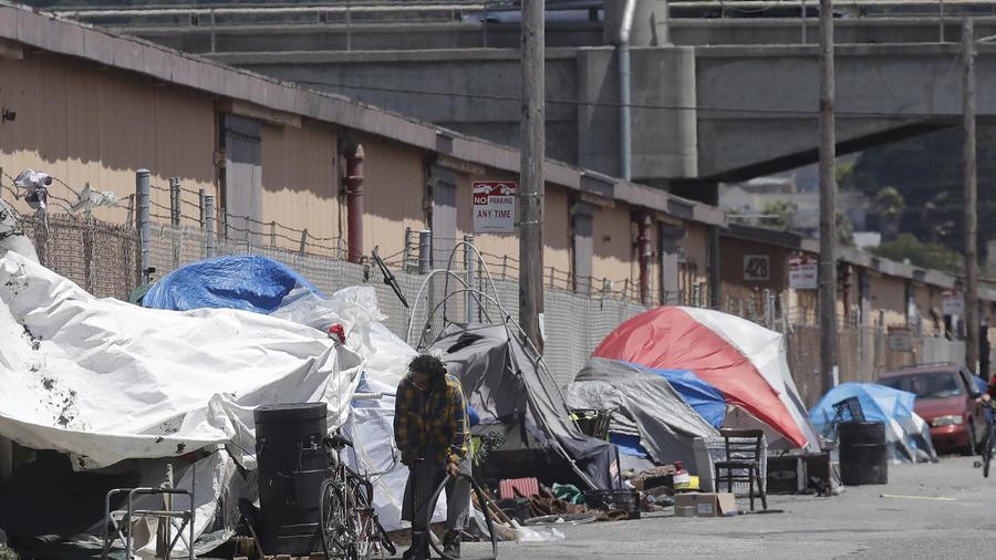 Imagen de archivo de personas en estado de indigencia en San Francisco, California.