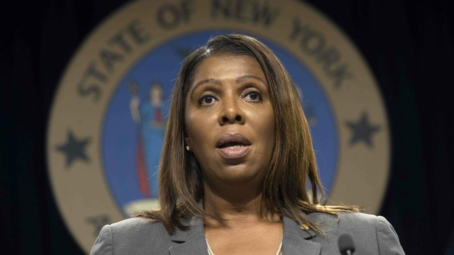 Esta foto de archivo del 11 de junio del 2019 muestra a la procuradora general de Nueva York Letitia James hablando durante una conferencia de prensa en Nueva York.