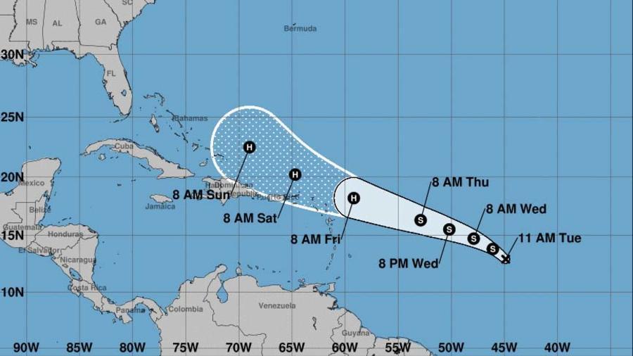 Pronóstico del Centro Nacional de Huracanes sobre la tormenta 10, el 17 de septiembre por la mañana.