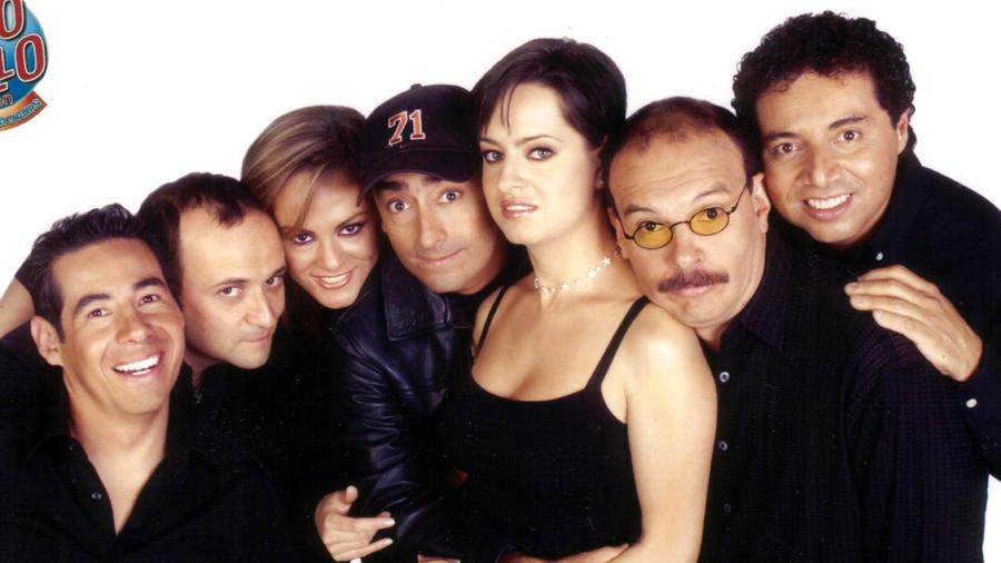 Yodi Rosado, Eduardo España, Roxanna Castellanos, Adal Ramones, Gaby Platas, Mauricio Castillo y Jorge Alejandro, 2004.