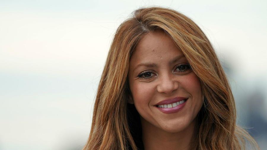 "Shakira cantó muy sensual ""TuTu"""