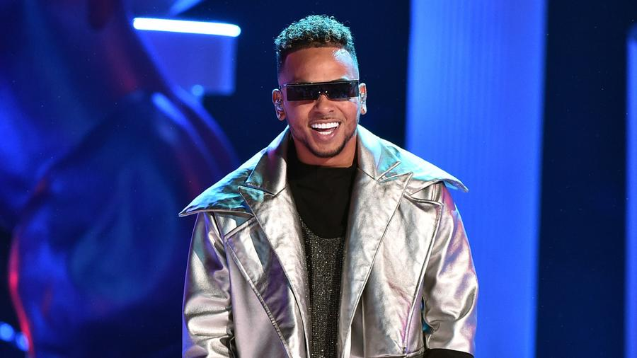 Ozuna at the 2019 Latin AMAs