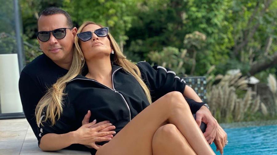 Alex Rodriguez con Jennifer Lopez en campaña de Quay Australia