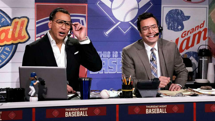 "Alex Rodriguez y Jimmy Fallon en ""The Tonight Show"""