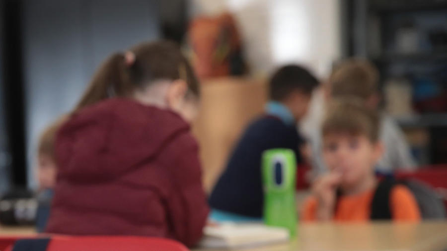 Estudiantes en una escuela en Chicago, Illinois, en una imagen de archivo de octubre de 2019.