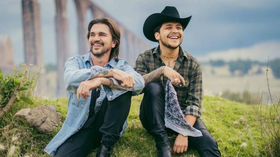 Juanes y Christian Nodal