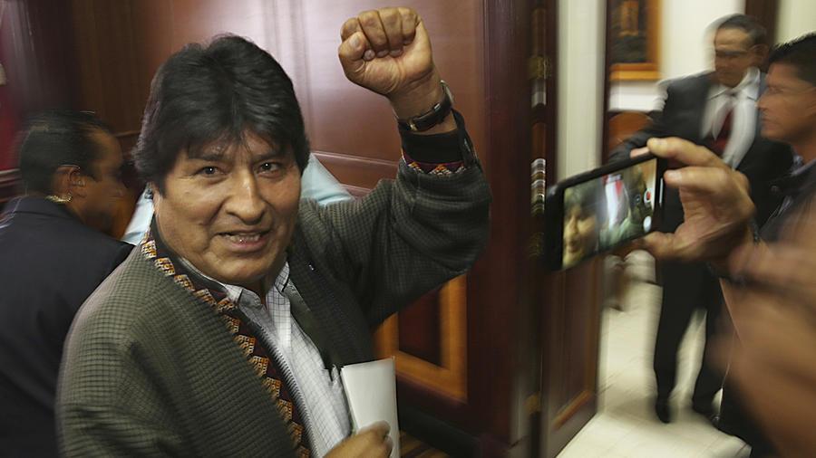 Evo Morales en una imagen de su primer encuentro con la prensa mientras estaba asilado en México.