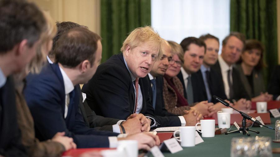 El primer ministro británico, Boris Johnson, en una reunión con su primer gabinete.