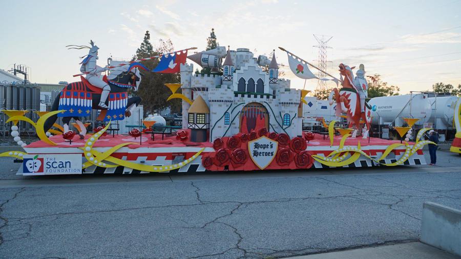 Carroza que servirá para homenajear a los cuidadores en el Desfile de las Rosas