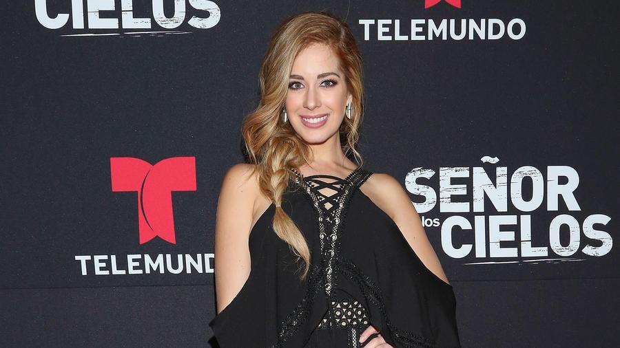 """Carmen Aub acude al estreno """"El Señor de los Cielos"""" temporada 5, 2017 en la Ciudad de México"""