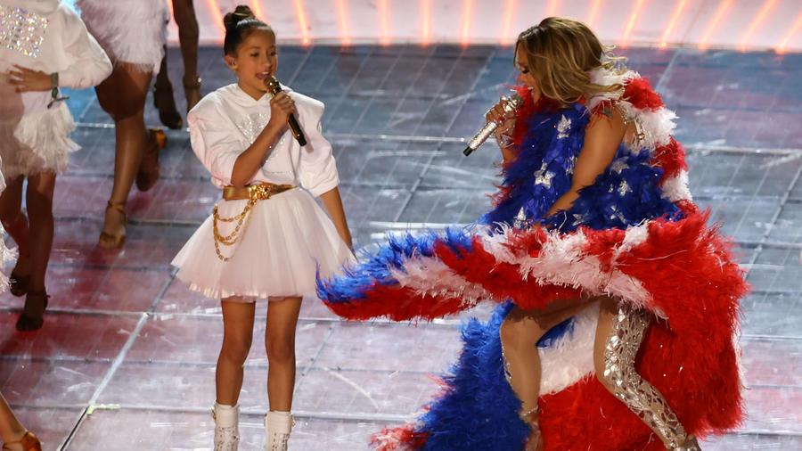 Emme, la hija de Jennifer Lopez , canta en el Super Bowl