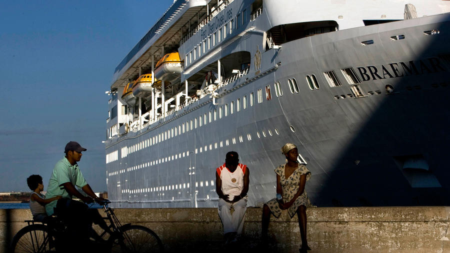 Crucero atracado en La Habana de Fred. Olsen Cruise Lines en un imagen de archivo.