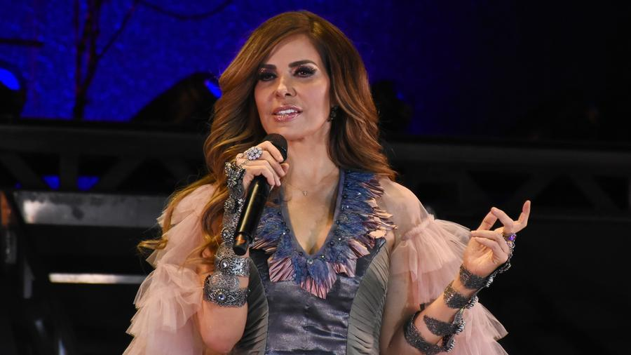 Gloria Trevi singing live in concert