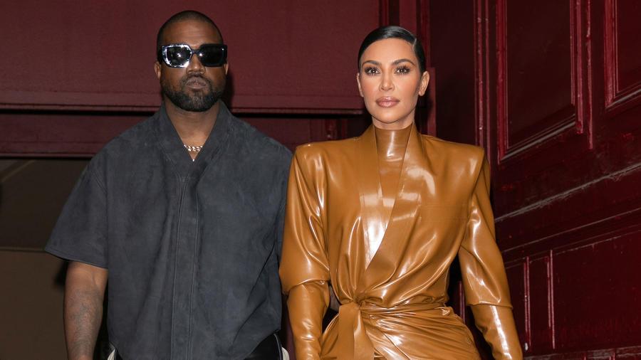 Kim Kardashian y Kanye West en Fashion Week Paris