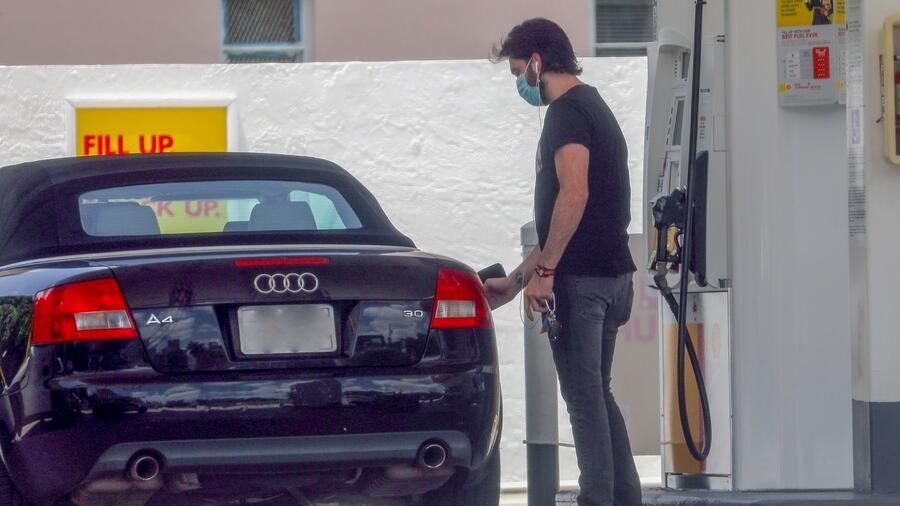 Pablo Lyle reaparece en gasolinera de Miami