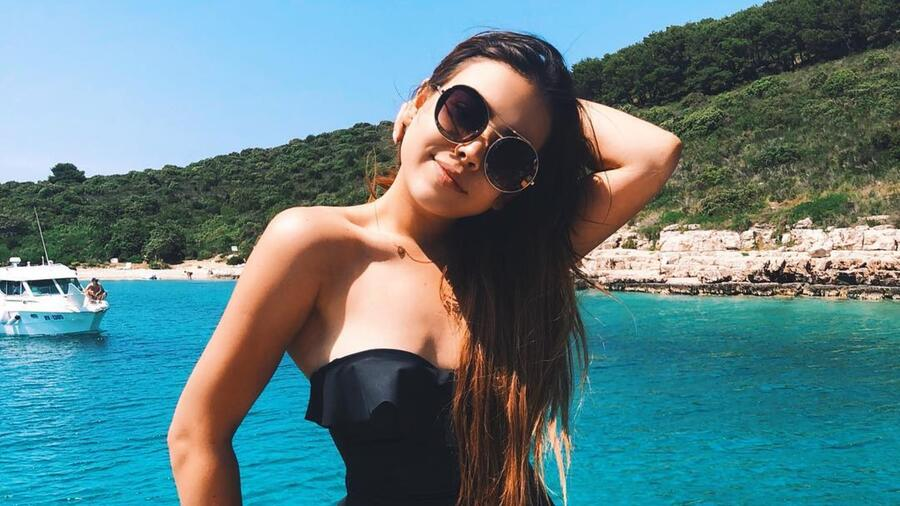 Danna Paola en traje de baño