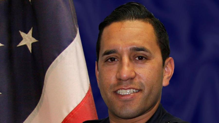 "El oficial de policía de California Ricardo ""Ricky"" Gálvez."
