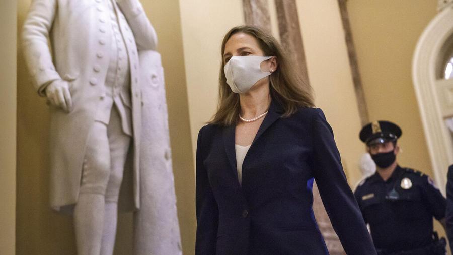 La jueza Amy Coney Barrett llega el pasado miércoles al Senado, donde se discutió la confirmación de su nominación a la Corte Suprema.