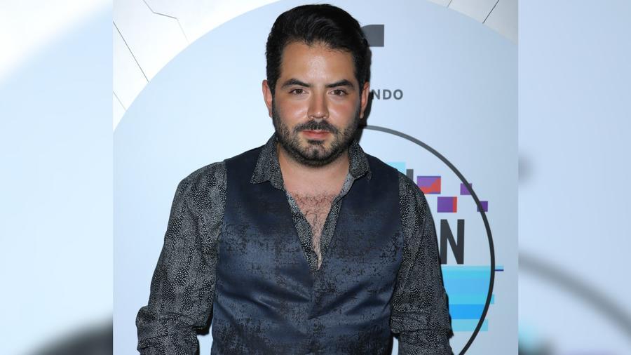José Eduardo Derbez acude a Telemundo y Universal Music Latin Entertainment's 2019 Latin American Music Awards