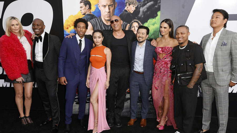 Vin Diesel y elenco de Fast & Furious en premier.