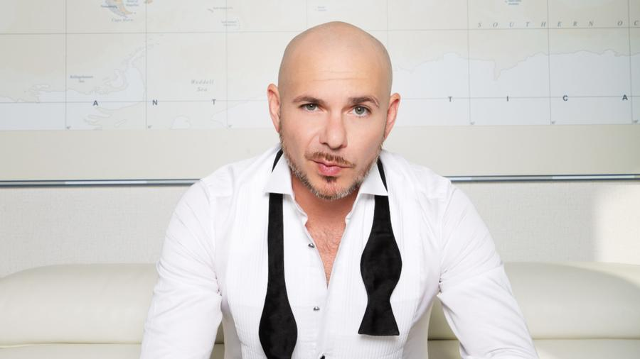 Pitbull está listo para montar con Echelon Fitness