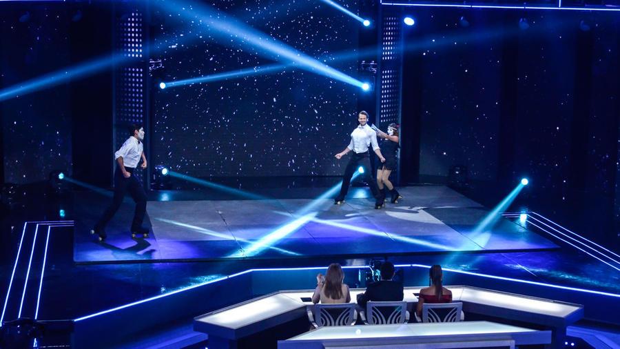 Lambda Garcia en su acto de patinaje en Sí Se Puede