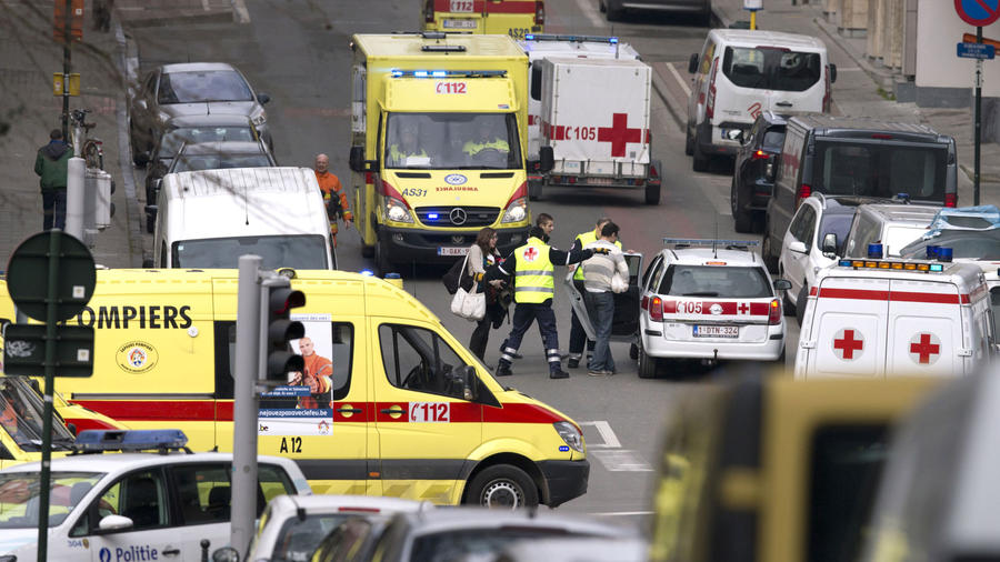 atentado bruselas ambulancias