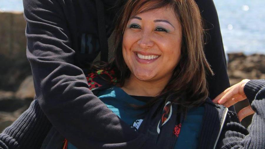 Esta foto del 24 de junio de 2015, de la página Facebook de la peruana Adelma Tapia Ruiz y proporcionada por su hermano Fernando, aparece Adelma con su esposo belga Christophe Delcambe en un lugar indeterminado.