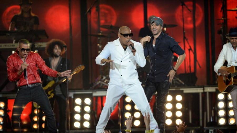 Enrique Iglesias y Gente Zona en los Premios Billboard del año 2014