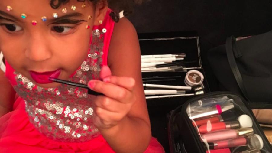 Blue Ivy con maquillaje
