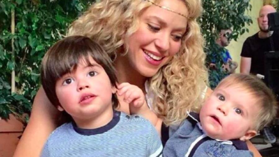 Shakira con sus hijos Sasha y Milán
