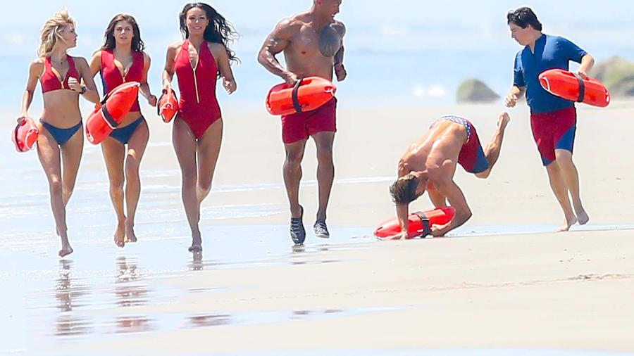 EXCLUSIVE Zac Efron Falls During Baywatch Shoot