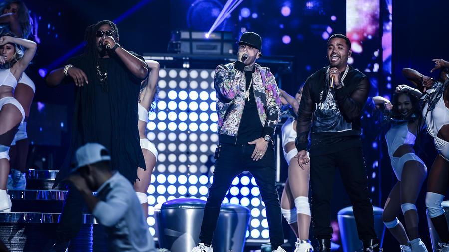 Nicky Jam Zion y Lennox Premios Billboard 2016