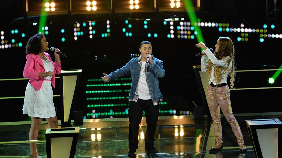 Vicky Axel y Shiarette en la tercera ronda de batallas de La Voz Kids
