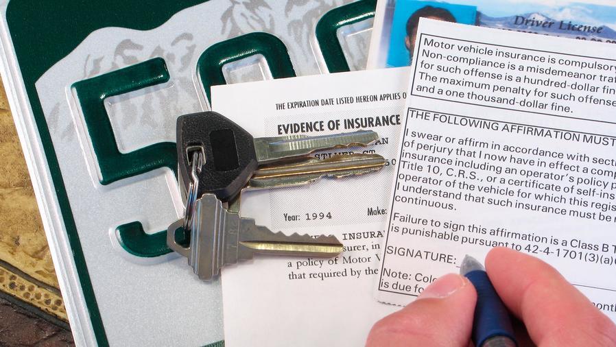 Patente, formulario de seguros, llaves