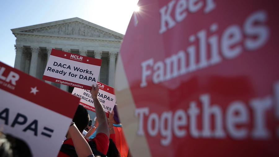 Manifestación pro DACA+ y DAPA frente a la Corte Suprema