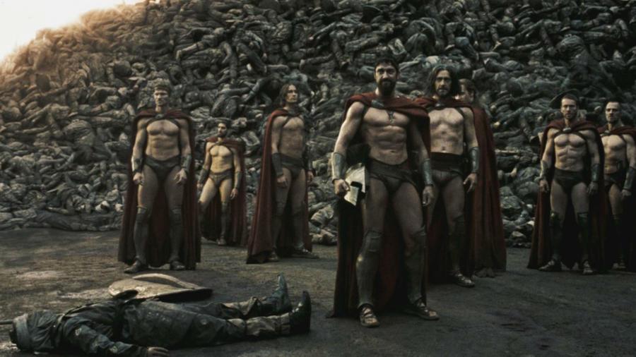 Gerard Butler en el papel del Rey Leónidas con guerreros espartanos