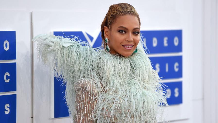 Beyoncé en los MTV Awards 2016