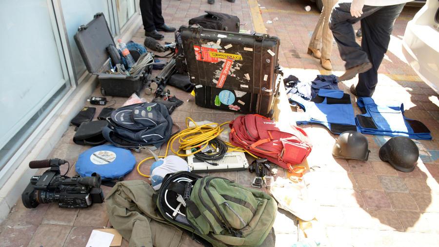 pertenencias de periodistas retenidos por narcos