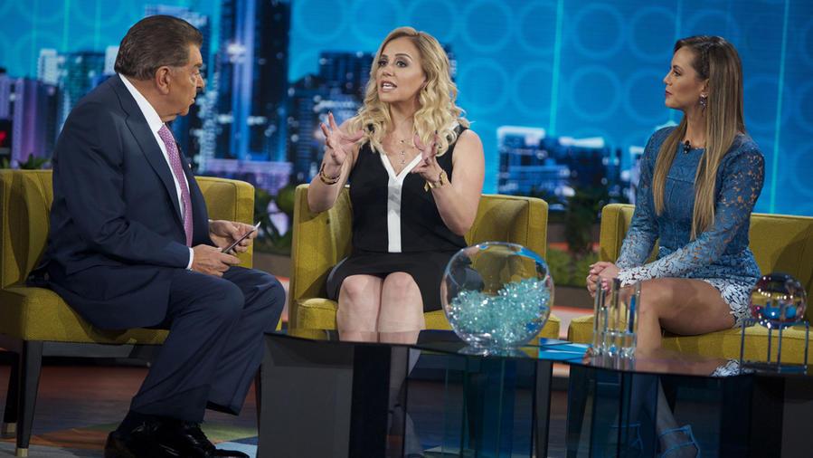 Rosie Rivera hablando con Don Francisco