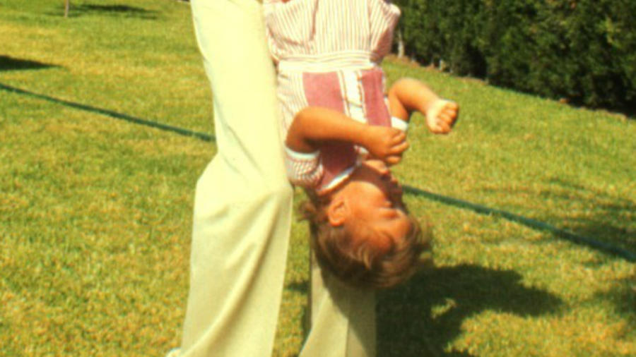 Julio y Enrique Iglesias en 1978.